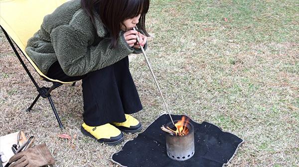 疲れた心をときほぐす、たき火道具のすすめ