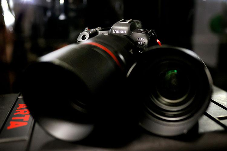 フルサイズミラーレス一眼 Canon EOS R5