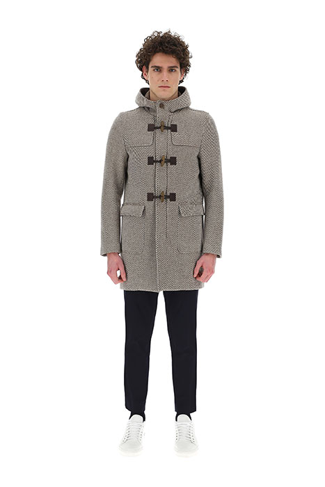 ヘルノ。染料を一切使わない「ダイフリーウール」によるコート