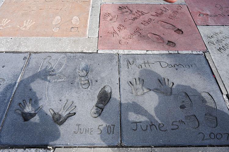 ウィル・スミスやマット・デイモンの手形を発見
