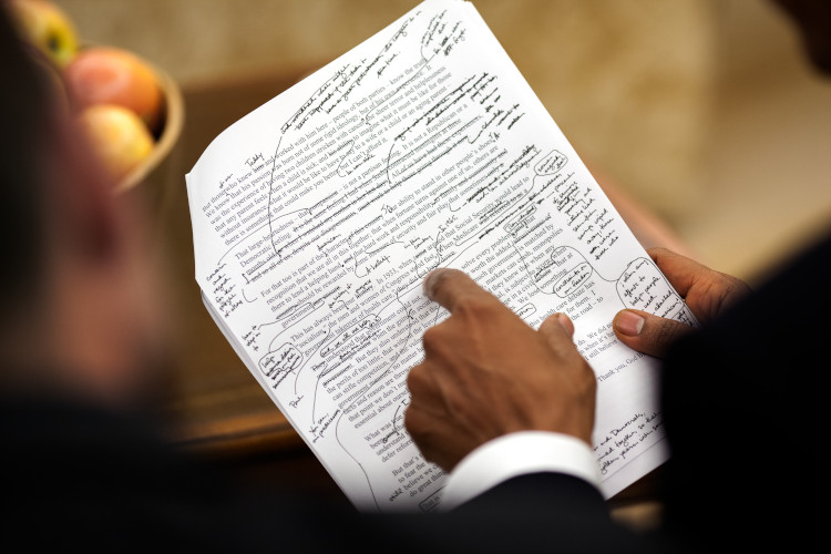 スピーチライターと協議を重ねた、医療改革に関する両院合同会議での演説草稿