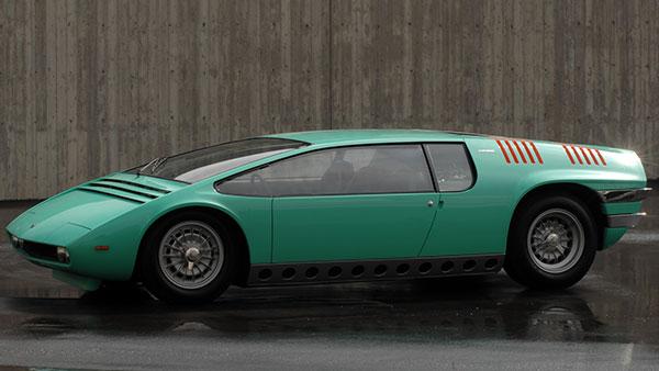 ジュジャーロデザインの3人乗りスポーツMPV
