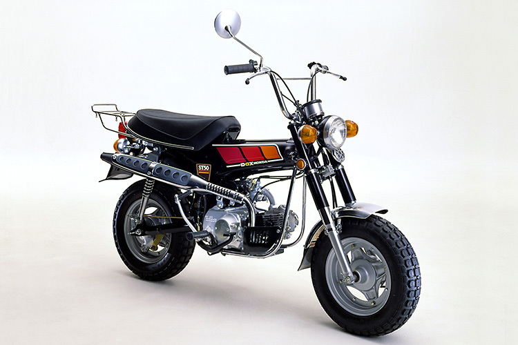 78年モデルはアップマフラーが採用されている