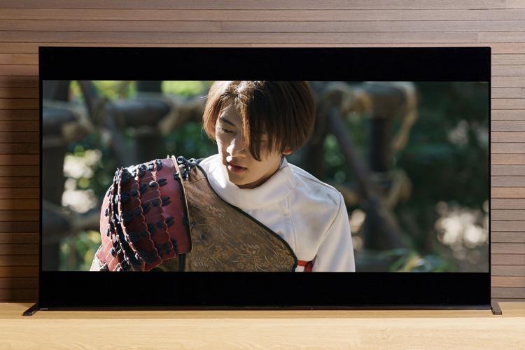 「まるで映画館のような映像とサウンドをBRAVIA XRなら体験できる!」俳優・飯島寛騎さん