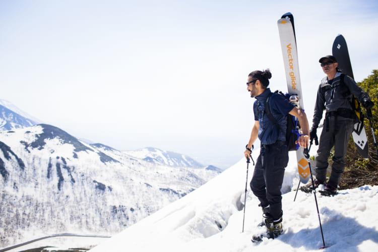 まだまだ春スキー、亡き友と雪山で心を通わす