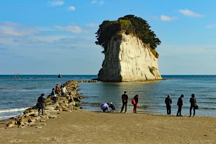 外浦と内浦の二つの海辺に暮らしが息づく石川県・奥能登