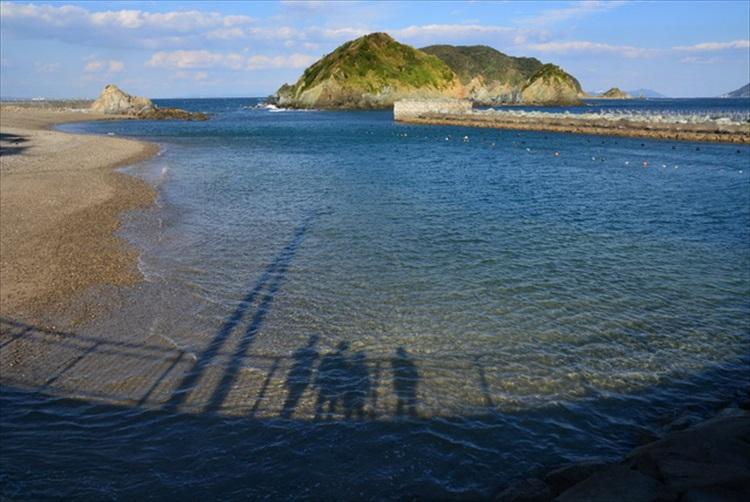 美しい海と迷宮のような路地 伝統の「寝屋子制度」受け継ぐ答志島
