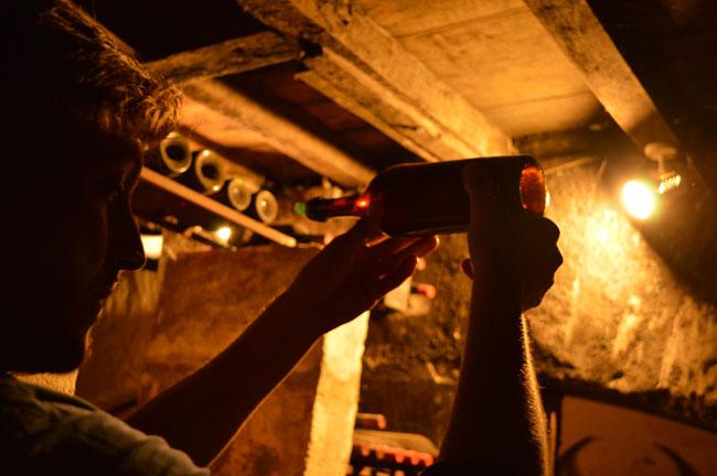 数年前ボルドーで、現存する最も古い18世紀のワインがセラーで見つかった。ワインから瓶まで、すべてをこの時代の製法で造るシリーズを近く販売する予定だ