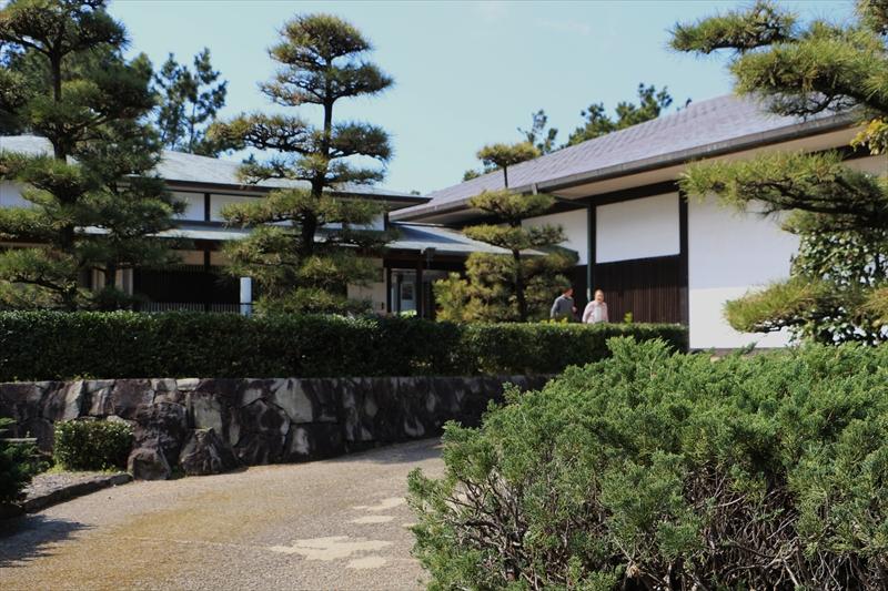 よく散策した千本松原近くの若山牧水記念館