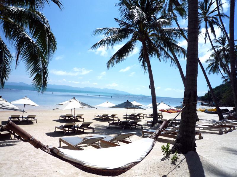 「フォーシーズンズ リゾート コ サムイ」のビーチサイド。ゲストのためだけのビーチです