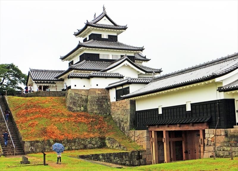 奥州への押さえに重視された小峰城の三重櫓(やぐら)