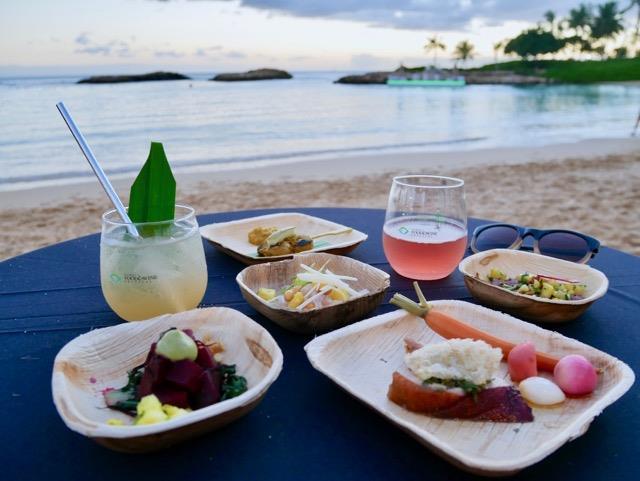 「ハワイ フード&ワイン フェスティバル」の一シーン。こちらは「フォーシーズンズ リゾート オアフ アット コオリナ」で開催された「テイスト オブ シーズン」。この夜はアメリカの料理アワード「ジェームズ・ビアード賞」受賞シェフなどが参加していました