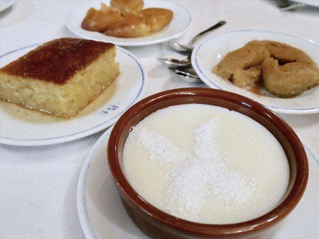 トルコ料理はデザートのバリエーションも豊富。スイーツをあまり食べない私には激甘に感じられますが、ヨーロッパや南米の人にとってはこれくらい甘いほうがいいみたい。お米が入っていたり、デザートなのに鳥胸肉を使ったりと材料もユニーク