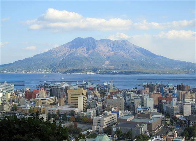 燃える思いの薩摩の心のシンボル、噴煙が絶えない雄大な桜島