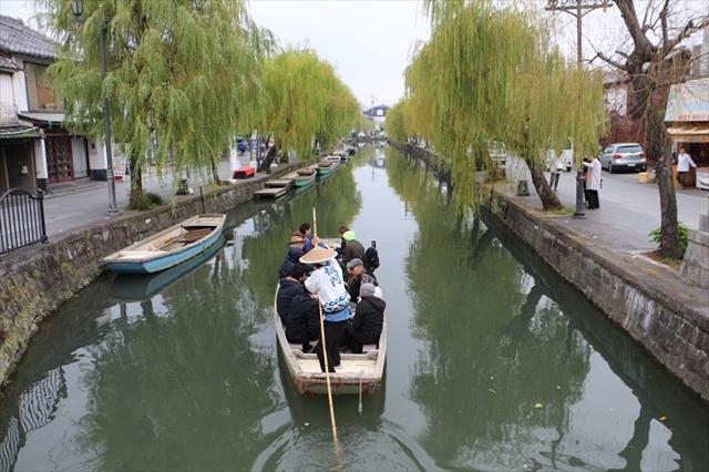 柳川観光の主役のどんこ舟での川下り