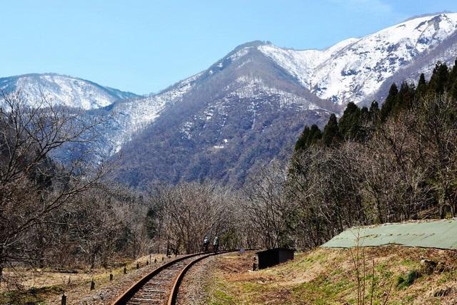 奥飛驒の大自然へ向かってペダルをこぐ