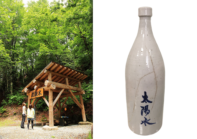 大塩地区の井戸(写真左)は観光客でも利用可能。現在は地元保存会が清掃・管理を行っている。起源となる明治時代には、胃腸に良い水として知られ、「太陽水」の名で、薬屋でも販売されていたという。写真右は現存する当時のボトル