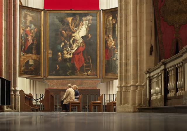 聖母大聖堂で鑑賞できる、名作アニメ「フランダースの犬」でもおなじみのルーベンス作「キリスト降架」(c) www.milo-profi.be