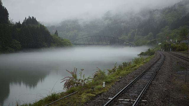 金山町を流れる只見川。朝には川霧が立ち込めてひときわ幻想的な雰囲気に包まれる