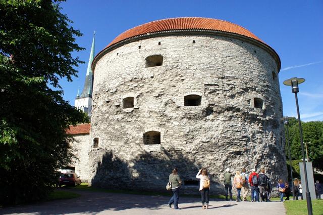 「ふとっちょマルガレータ」の名で親しまれる、旧市街にある昔の砲塔