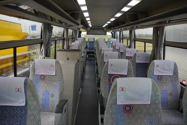 3列シートは、1席+2席というタイプと、1席+1席+1席という完全独立タイプがある