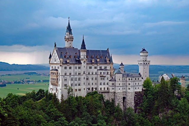 ノイシュヴァンシュタイン城。4カットしか撮れませんでした。そのわけは……