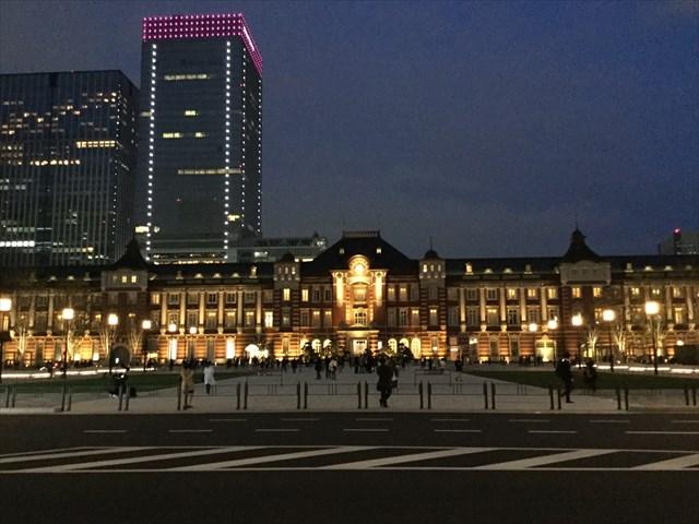 新しい東京駅は夜も美しい。夜もめいっぱい歩きまわりたい、という場合、安全面からも特に立地は大切