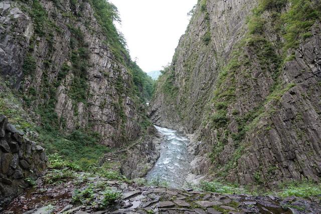 大自然の迫力に圧倒される清津峡の渓谷美
