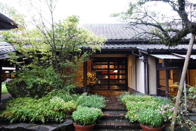 由布院温泉「玉の湯」の玄関