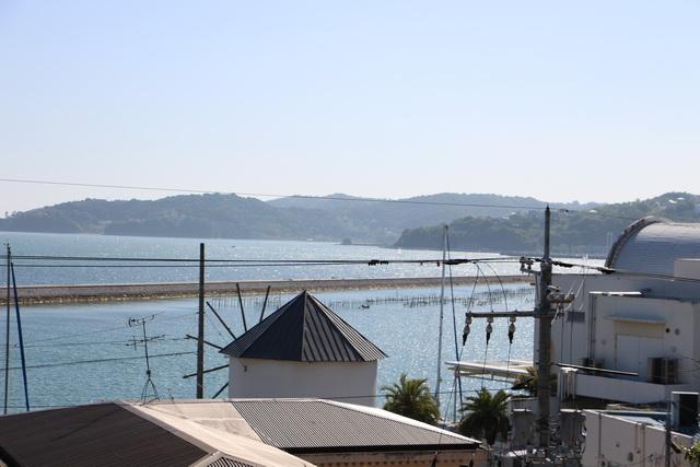 波静かで明るい瀬戸内海にある牛窓港
