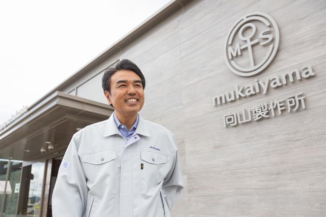 大手企業へ技術指導も務めるエンジニアの織田社長。週末は店頭で接客を担当するなど、多忙を極める日々を送る
