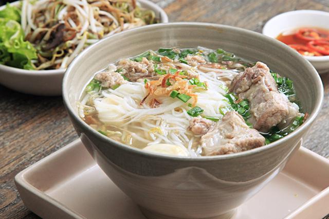 ベトナム南部の代表的な麺フーティウ・ナンヴァン。カンボジア経由でベトナム南部に伝わった麺料理だといわれている