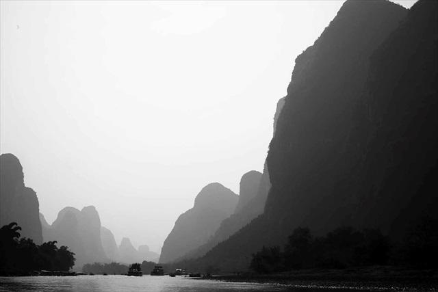 中国・桂林。水墨画のような風景