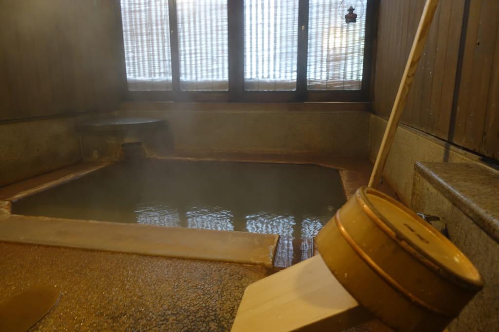 温泉+熟睡 開湯1200年の湯で体の芯まで温まる 肘折温泉・丸屋旅館