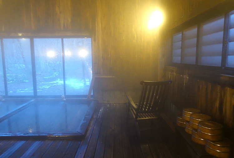 温泉+忘我 秘境に湧く温泉の一夜 秋田県「夏瀬温泉 都わすれ」