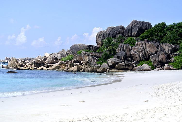 セーシェル・ラディーグ島の絶景ビーチで超大陸へ思いをはせる