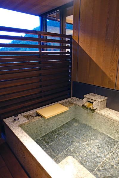 温泉+富士山 山と湖と森に癒やされるごほうび旅 山梨県「ふふ 河口湖」