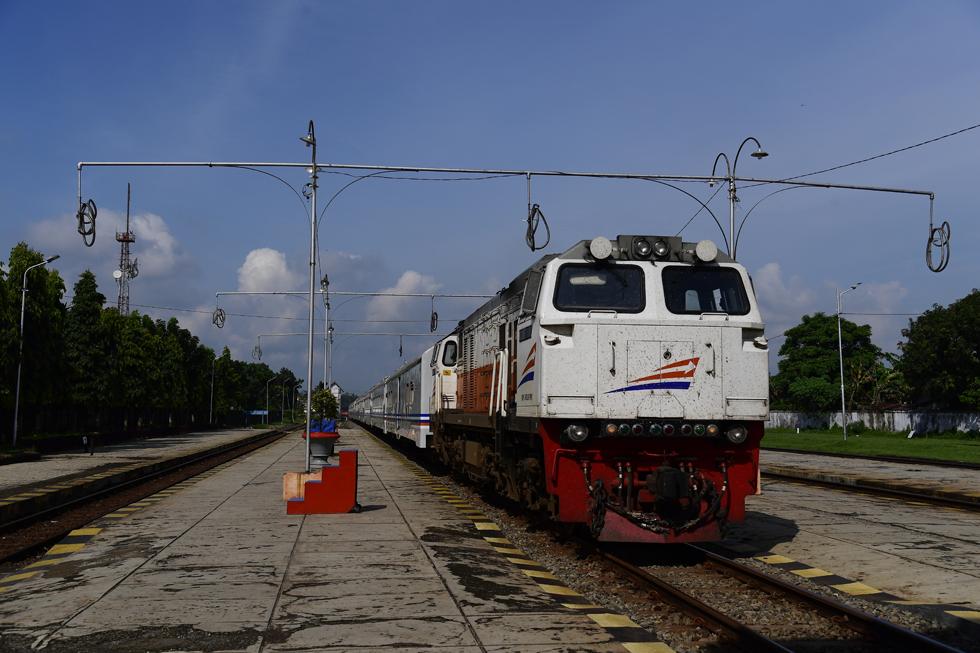 午前4時半のチラチャップ行き列車、クロヤからスラバヤへ インドネシアの鉄道制覇旅(2)