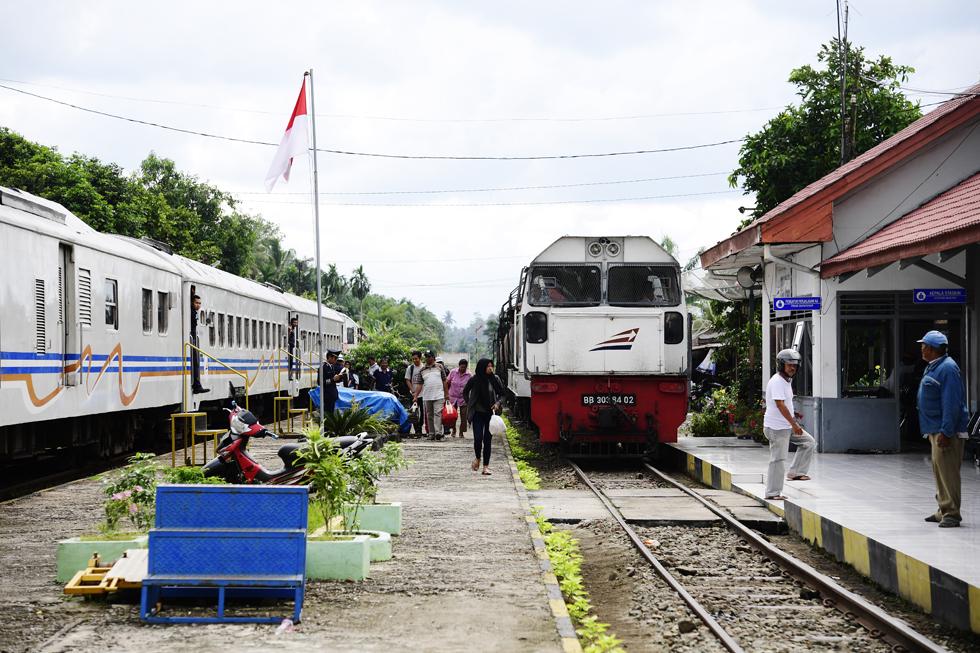 スマトラ島、北部路線はメダンから インドネシアの鉄道制覇旅(5)