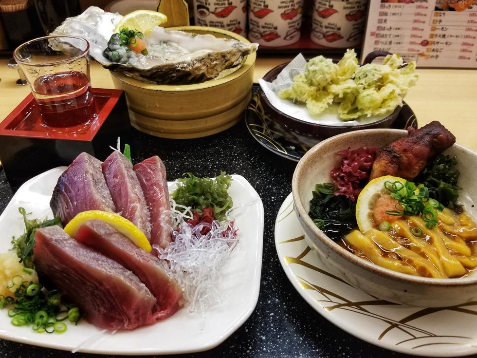 駅構内の回転寿司でも新鮮な魚介が食べられる