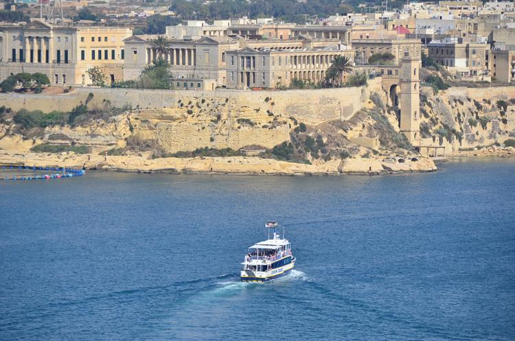 マルタならではの港の風景