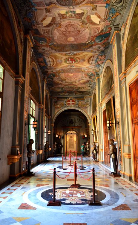 聖ヨハネ騎士団長の宮殿。内部