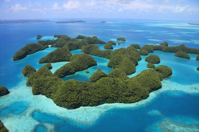 マッシュルーム型の愛らしい島々が浮かぶパラオ