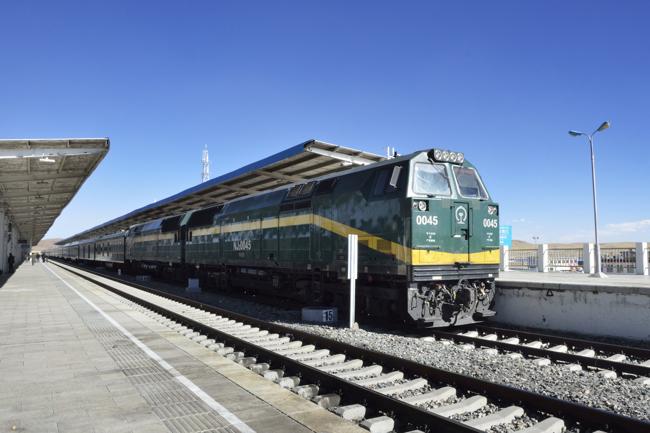 雲上のチベットから上海の租界へ 世界長距離列車・青蔵鉄道編(4)