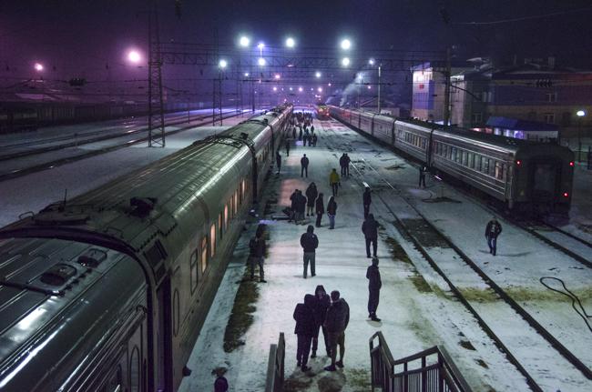 バイカル湖を越え、沿線の各都市へ 世界の長距離列車・シベリア鉄道編(3)