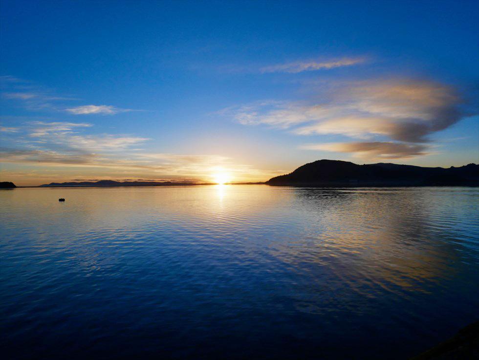 朝日に染まる絶景・チチカカ湖へ、南米初の豪華寝台列車「ベルモンド アンデアン・エクスプローラー」号でアプローチ