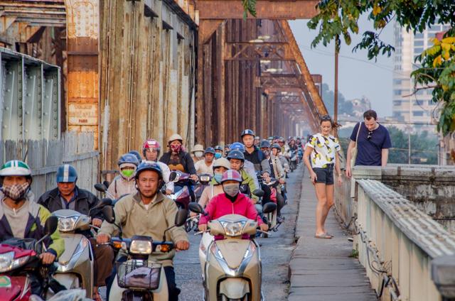 ハノイでロンビエン橋を渡る、ちょっとディープなベトナム旅(1)