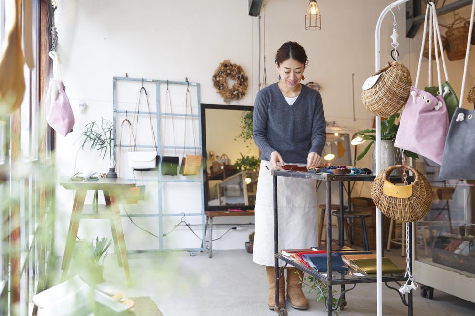 仕事や暮らしのパートナーに 京都「革工房Rim」で新生活の品々を