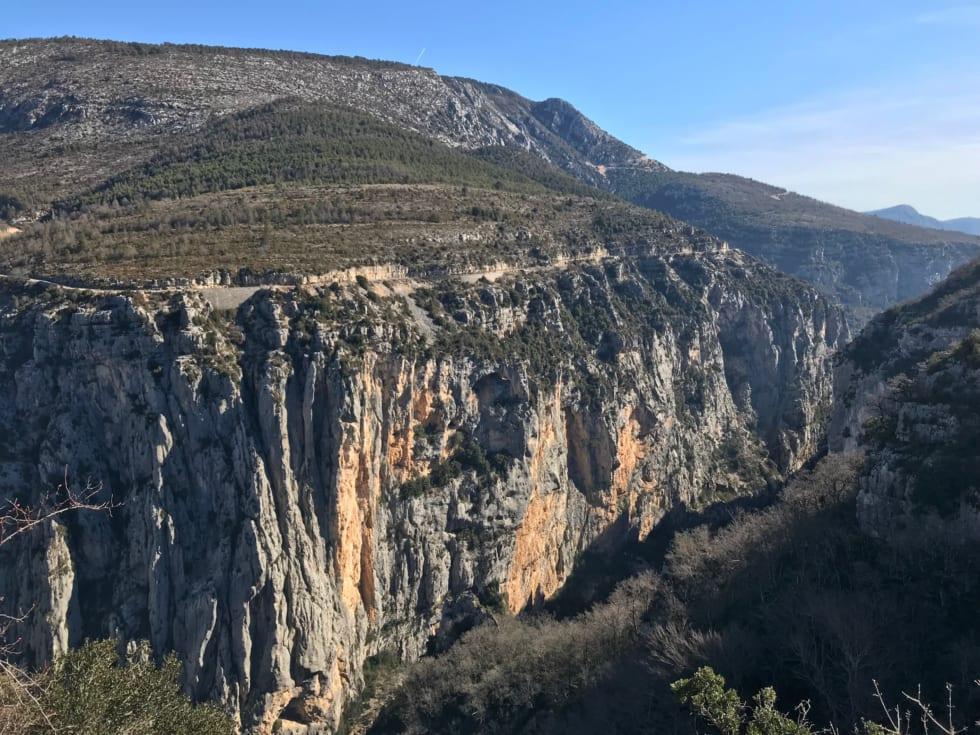 ヨーロッパで最も美しく険しい渓谷 フランス・ヴェルドン(上)