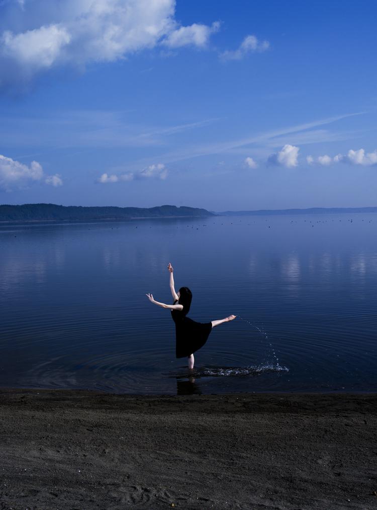 (6) 黒鳥の湖、いや、心の飛翔 永瀬正敏が撮った青森